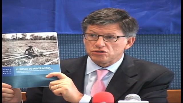 cnnee ramos colombia displaced families under threat_00012714.jpg