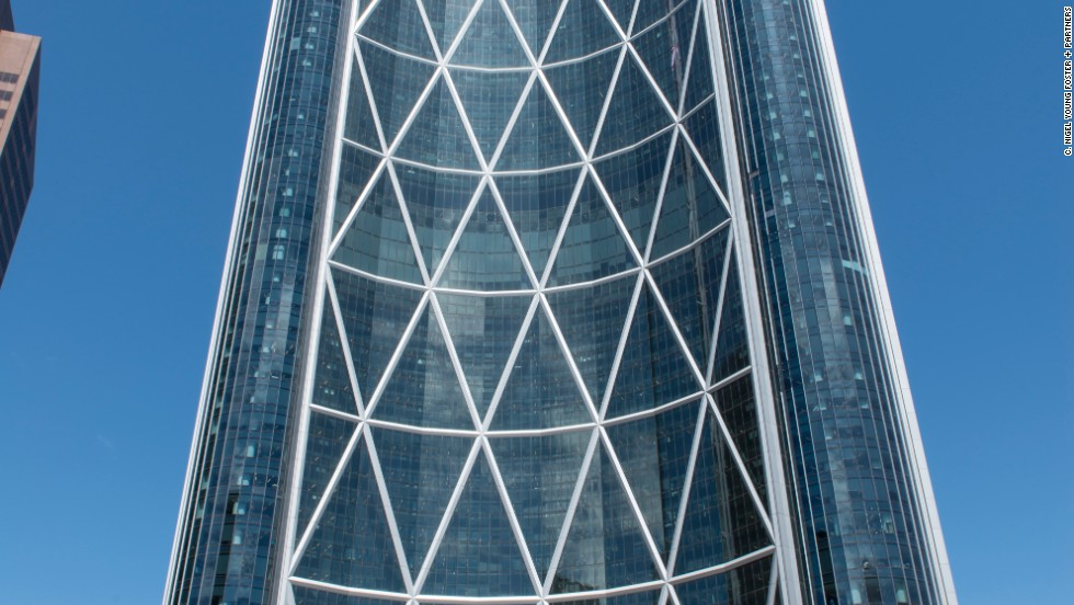 The skyscraper takes the name The Bow from the Bow River that runs nearby. At 236 meters it's the tallest building in Calgary and the third-tallest in Canada. Innovative use of steel and glass makes the building 30% lighter than other buildings of its size.<strong>Architects</strong>: Foster + Partners, Zeidler Partnership Architects