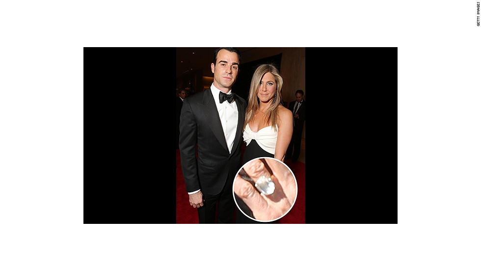Justin Theroux popped the question to Jennifer Aniston on his 41st birthday with the help of this massive sparkler.<br />