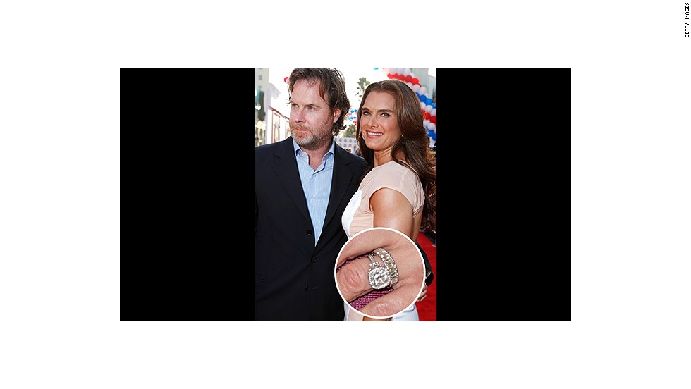 With this Neil Lane antique platinum and gold engagement ring, no wonder Brooke Shields has been happily married to Chris Henchy for over a decade.<br />