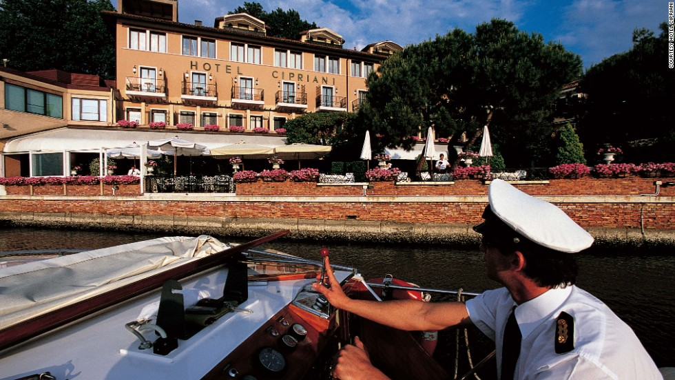 "Daniel Craig's James Bond moors his yacht at this hotel's private marina in ""Casino Royale."" The crew took over the Cipriani's restaurant to film this scene, and parts of the terrace appear throughout."