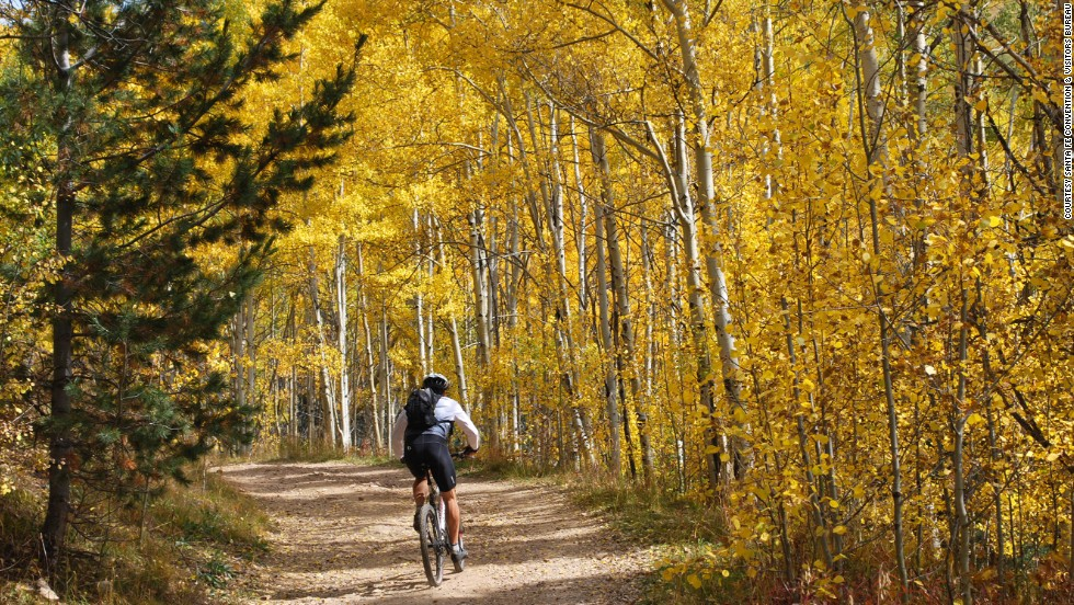 The Aspen Vista Trail in the Sangre de Cristo Mountains has spectacular views of the aspen forest changing colors, especially toward the end of September and early October. There are also views of Santa Fe along the trail.