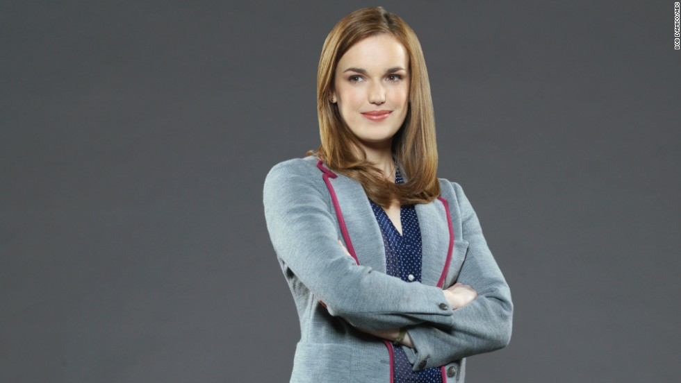 "The other half of S.H.I.E.L.D.'s version of the ""Wonder Twins"" is science expert Agent Jemma Simmons, played by Elizabeth Henstridge."