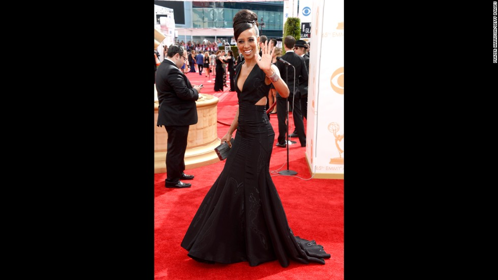 """Access Hollywood's"" Shaun Robinson rocks in a chic, sleek black dress."