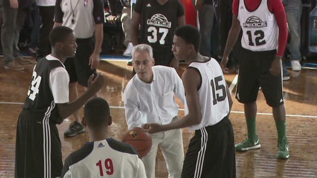 Chicago gangs hold peace tournament