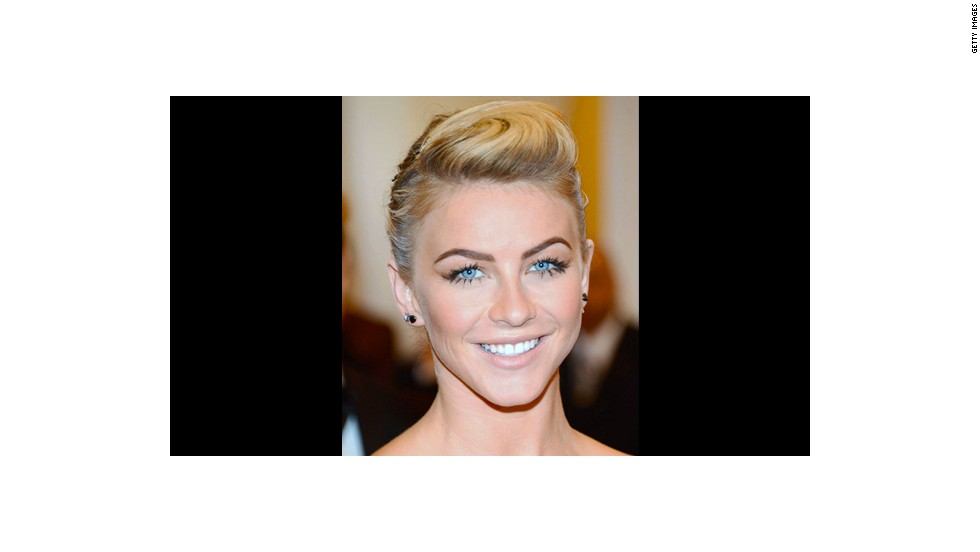 "Julianne Hough's daring lashes make a big impact, thanks to makeup artist Molly R. Stern. -- <em>See even more glam wedding looks at <a href=""http://www.elle.com/beauty/makeup-skin-care/best-wedding-makeup?link=rel&dom=cnn_living&src=syn&mag=elm"" target=""_blank""><em></em>Elle.com</a></em>"