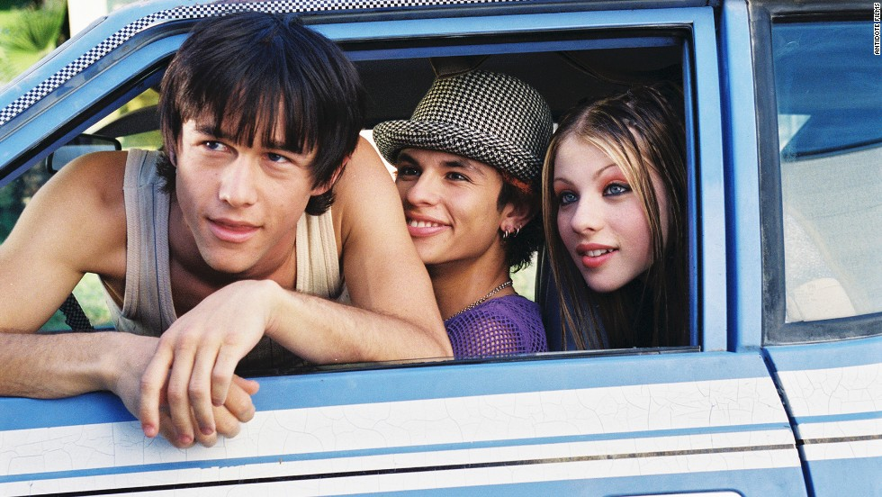 """After taking time off from acting to pursue higher education at Columbia, Gordon-Levitt made a grand return to the craft in 2004 and 2005. He starred in two independent projects -- """"Mysterious Skin"""" and """"Brick"""" -- that caused critics to take note of how much he'd grown up from playing an alien in a teenager's body."""