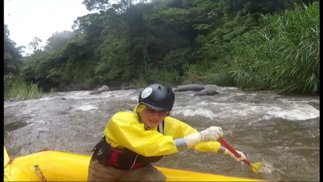cnnee aventurero rafting costa rica_00013924.jpg