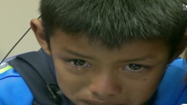 cnnee egana us guatemala boy 1st time hearing_00002029.jpg