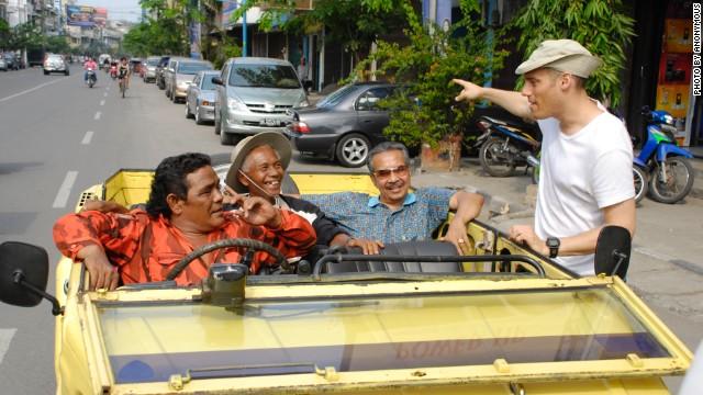 Joshua Oppenheimer, right, while filming in Medan.