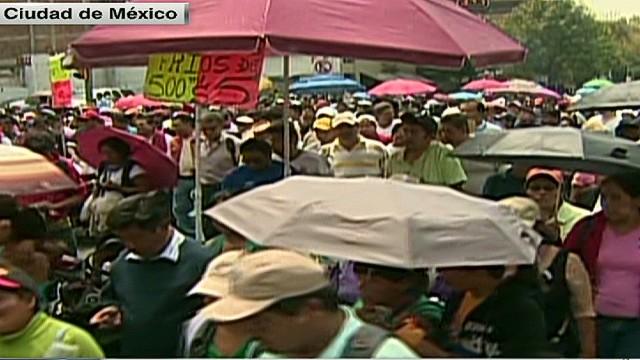 cnnee alis mexico teachers demos_00001701.jpg