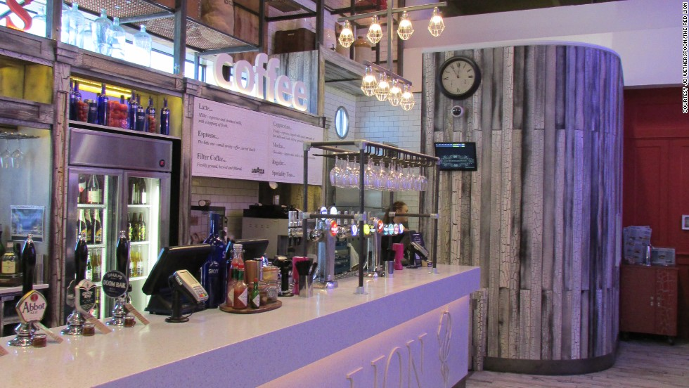 The Red Lion at the London Gatwick Airport North Terminal received the award for best airport bar.