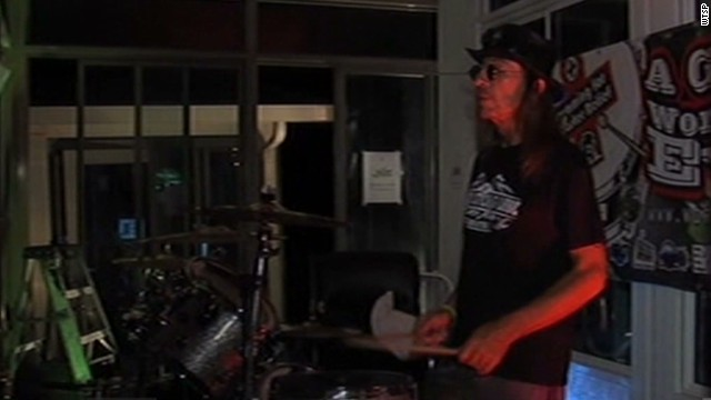 mxp vo drummer sets record for a cause_00001120.jpg