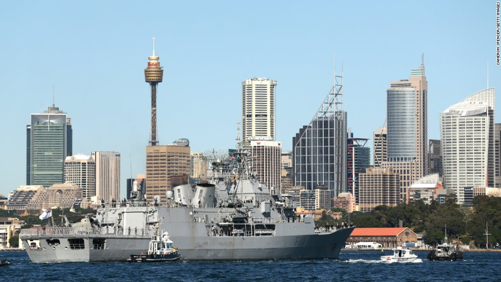 The warship Te Mana, of the New Zealand navy, arrives in Sydney Harbor on October 4.