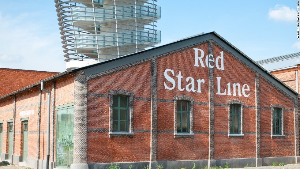 New life has been breathed into the red brick buildings, which had been abandoned on the Rhine Quay. They include a viewing tower shaped like a ship's funnel.
