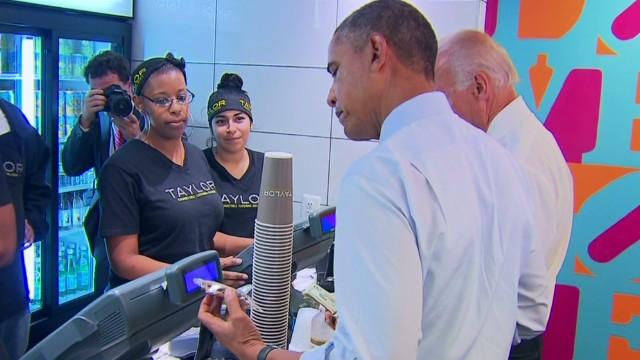 sot obama biden tasty cookie at lunch_00011601.jpg