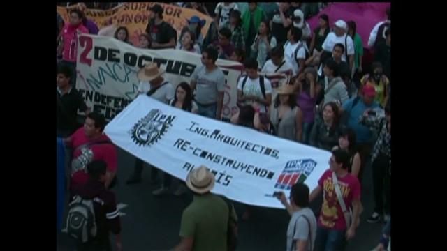 cnnee protests in mexico krupskaia alis_00010115.jpg