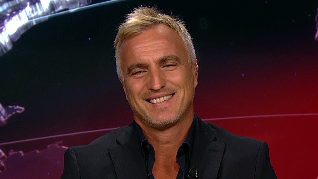Ginola answers questions on Qatar 2022