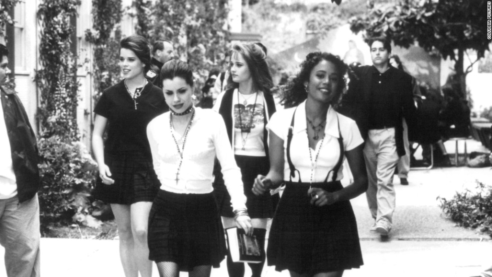 "<strong>""The Craft"" (1996)</strong> -  Witchcraft and teen girls. Enough said. (Netflix)"