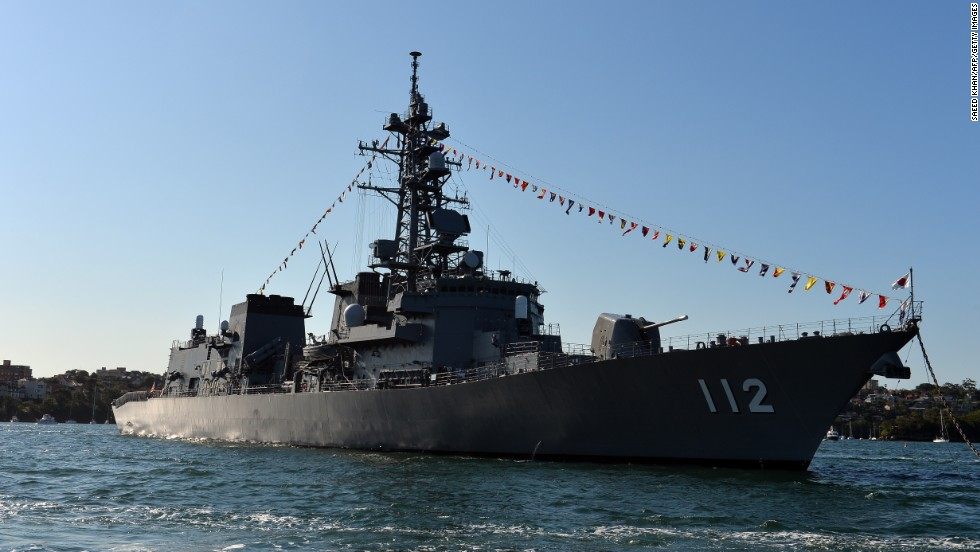 The Japanese warship JDS Makinami docks  of the Harbor Bridge on October 4.