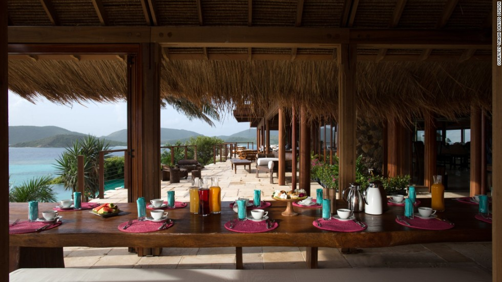 Enjoy a spectacular view of the water while having breakfast on the outdoor terrace.