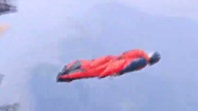intl.vo.china.wingsuit.flyer.death_00000028.jpg