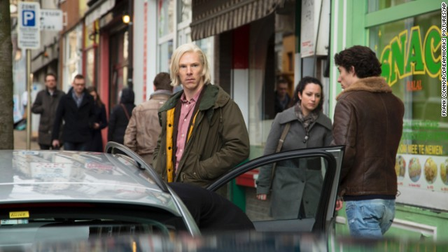 "This image released by Dreamworks Pictures shows Benedict Cumberbatch as WikiLeaks founder Julian Assange in a scene from ""The Fifth Estate."" (AP Photo/Dreamworks Pictures,  Frank Connor)"