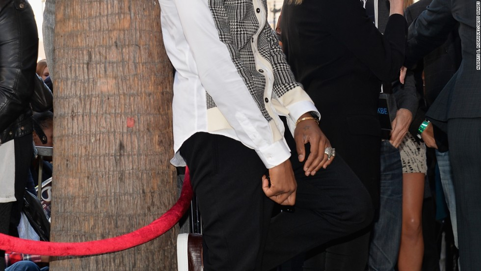 "Usher eyes the crowd at the October 10 ceremony for Kenneth ""Babyface"" Edmonds getting a star on the Hollywood Walk of Fame."