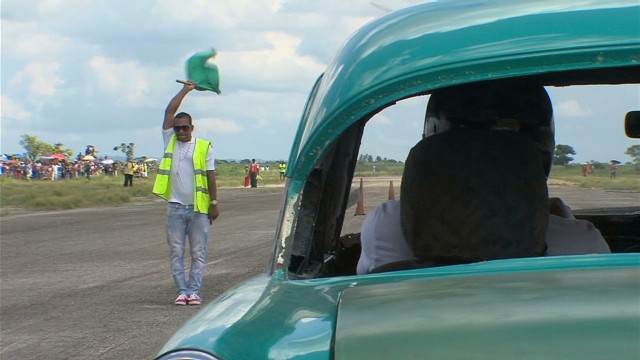 Racing Cuba's classic cars
