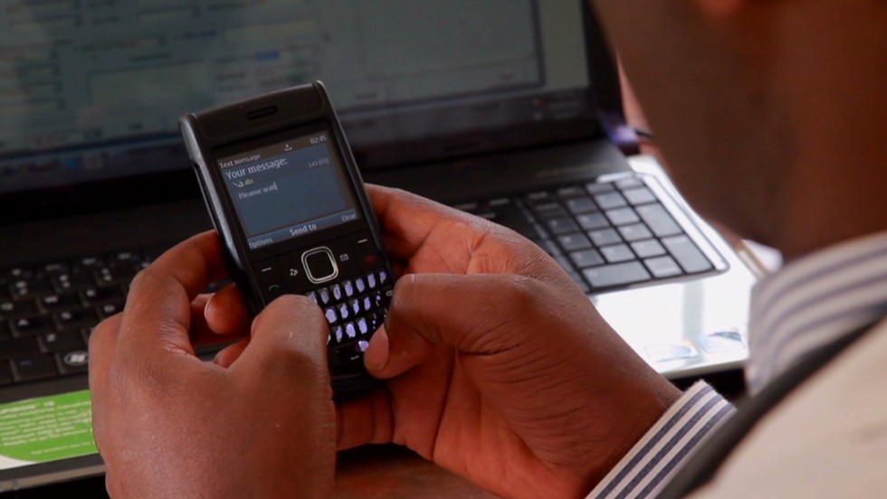 In Nairobi's Korogocho slum, healthcare from qualified personnel is a luxury that few pregnant women can afford. But a telemedicine center is providing assistance to pregnant women and their carers via text messages.