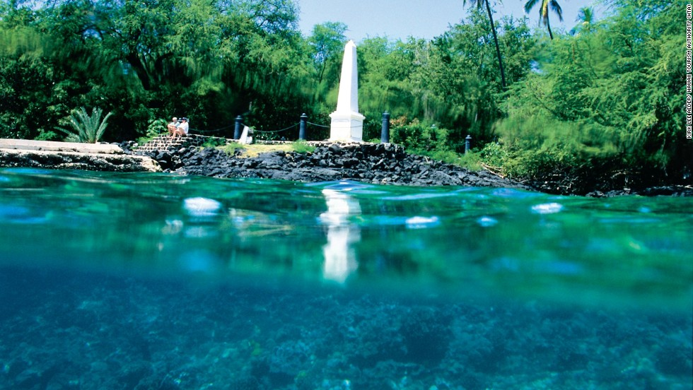 Hawaiians and Westerners met at Kealakekua Bay where the Captain Cook Monument is now located. The Captain Cook monument is shown here.