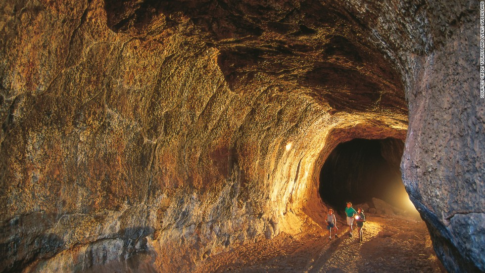 Not all of Queensland's natural wonders are located on the coast. The world's longest molten-rock tunnels, 275 kilometers southwest of Cairns, were formed 190,000 years ago and include impressive underground caves.