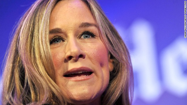 Burberry chief executive Angela Ahrendts will leave the luxury goods firm next year to join technology giant Apple.
