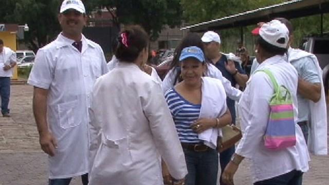 cnnee sandoval honduras doctors strike_00012229.jpg