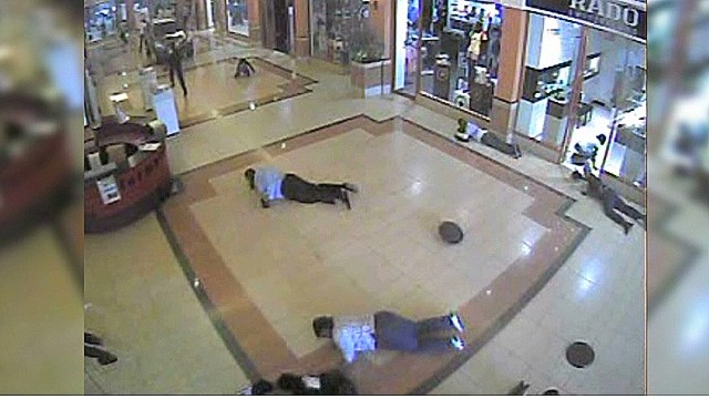 cnnee elbagir nairobi terrorist attack _00005101.jpg