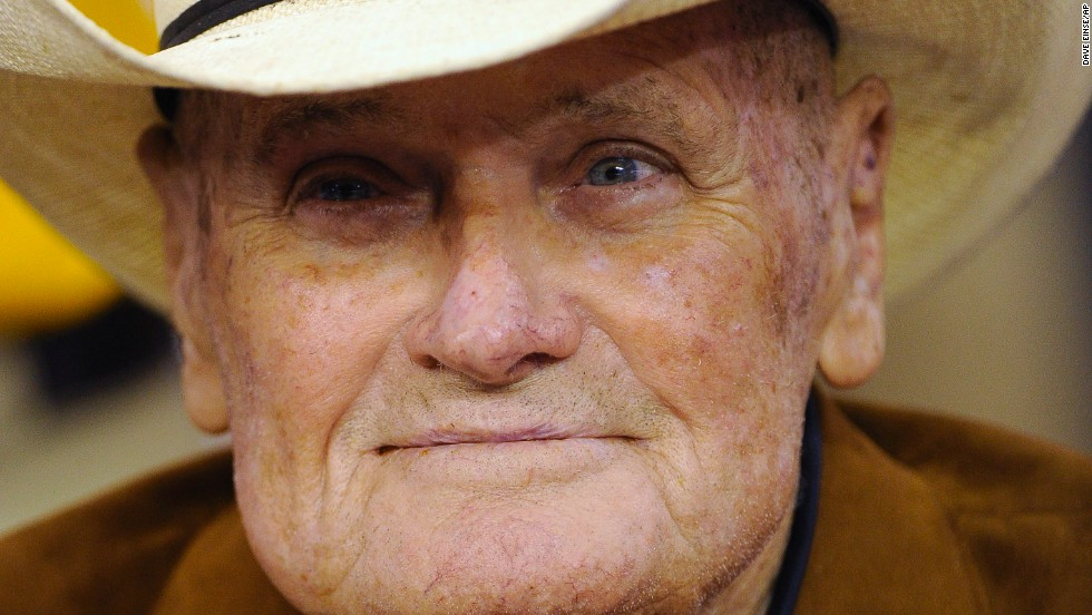 "<a href=""http://www.cnn.com/2013/10/19/us/bum-phillips-dead/index.html"">""Bum"" Phillips</a>, the former NFL football coach who led the Houston Oilers to glory and struggled with the New Orleans Saints, died October 18 at age 90."