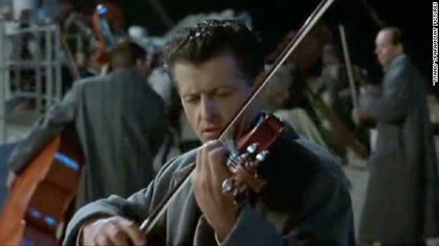 Titanic violin sells for record price