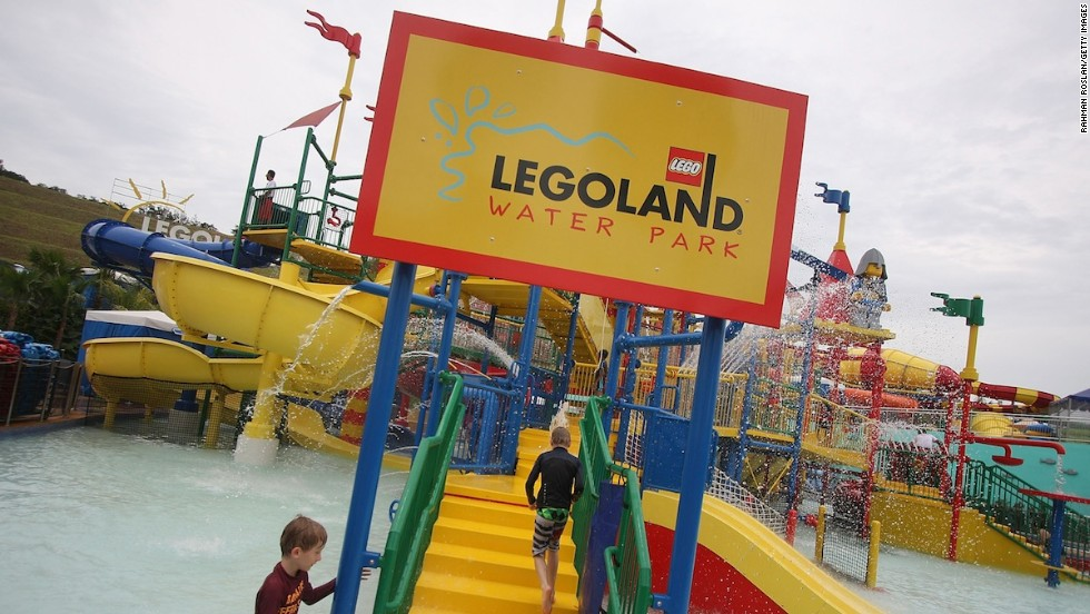 "England-based Merlin Entertainment Group, owner of Legoland Malaysia, has <a href=""http://travel.cnn.com/singapore/visit/malaysia-and-singapore-orlando-southeast-asia-000561"" target=""_blank"">said </a>it's keen to see southern Malaysia and Singapore emulate Orlando, Florida's, theme park success. Legoland Malaysia is just an hour's drive from Singapore, which hosts its own theme park behemoth, Universal Studios."