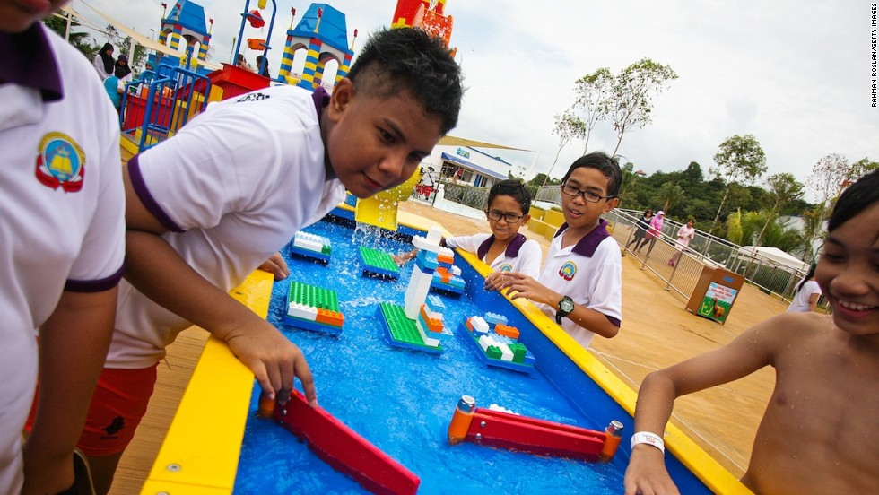 At the park's Imagination Station, kids build bridges, dams and cities out of bricks and test them against the flow of water. Another station lets them control the flow of water by creating patterns out of Lego elements. In one area, a musical water stand allows kids to become conductors as they cover holes to create different musical notes.