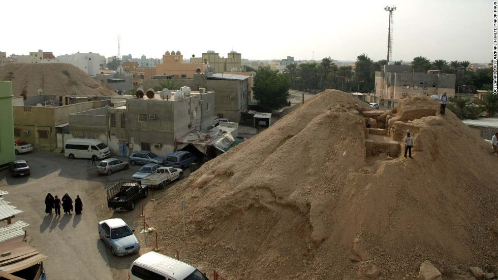 Bahrain is a small island, and faces severe housing pressure. In the last few decades, development has nearly swallowed all the mounds. Only 10% of the originals remain.