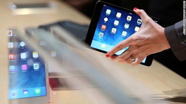 After a three-week wait, the new iPad Mini went on sale Tuesday -- but not in Apple retail stores.