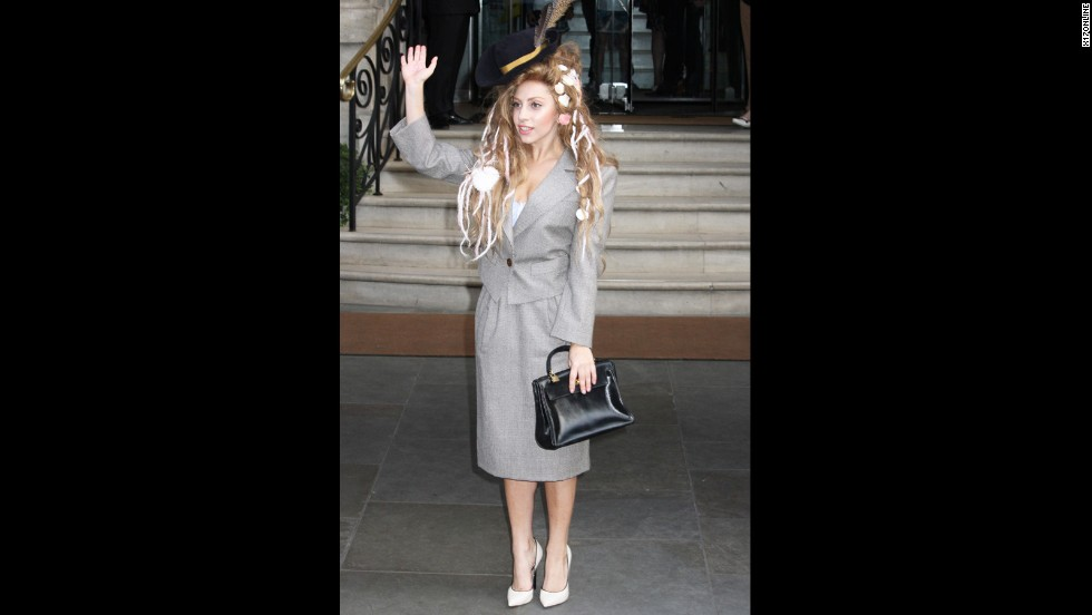 If Mary Poppins were also a mermaid, we imagine she'd look something like Lady Gaga did while in London on August 28, 2013.