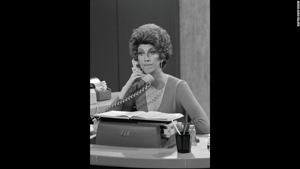 "Actress <a href=""http://www.cnn.com/2013/10/26/showbiz/marcia-wallace-obit/index.html"">Marcia Wallace</a> died on October 25, her agent said. Wallace voiced the character Edna Krabappel on ""The Simpsons"" and is known for playing receptionist Carol Kester on ""The Bob Newhart Show."" She was 70."