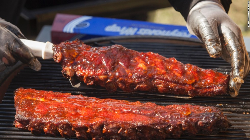 While it would be tempting to serve a full rack to show off at The Jack, the ribs much be sliced into individual portions.