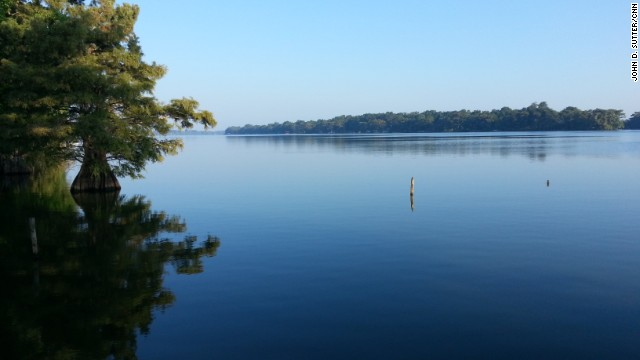 Lake Providence largely separates rich from poor in rural Louisiana.