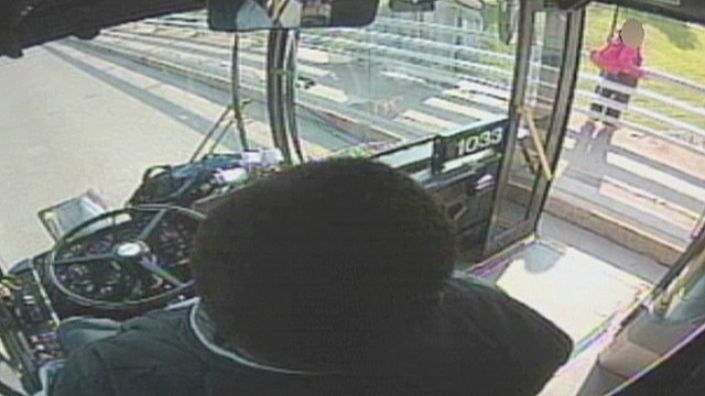 dnt bus driver saves woman from jumping off ledge_00002624.jpg
