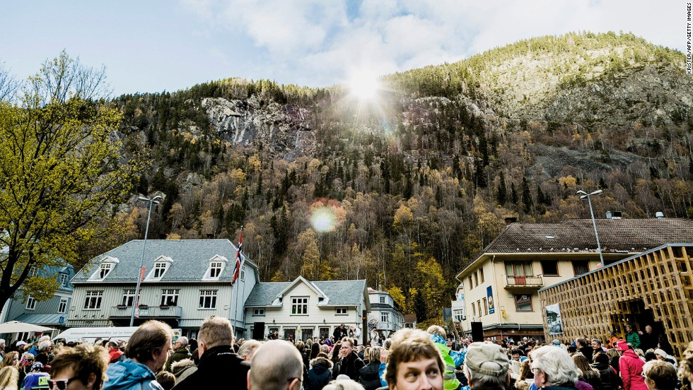 "The town's mayor hopes the sun mirror will draw more visitors to Rjukan. ""The sun mirror means a lot to Rjukan, both for tourism and for [winter sports] industry, which is our origin. It's a perfect combination of technology and art -- and of course it is a great welfare activity for the citizens of Rjukan,"" Steinar Bergsland says."