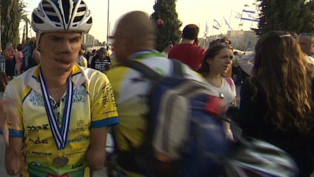 cnnee jose levy israel cuba cyclist_00003301.jpg
