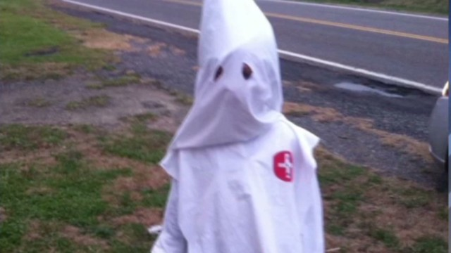 Mom defends son's KKK costume