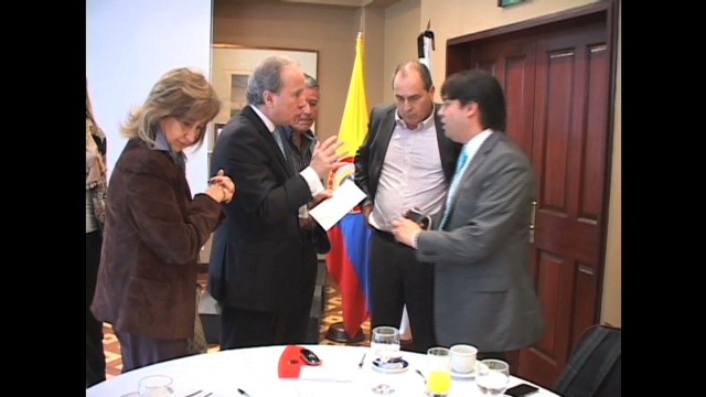 cnnee ramos col bussiness and peace process_00001315.jpg